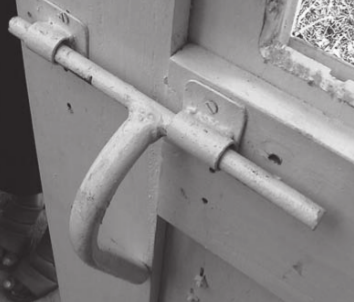 A lock which closes with a long handle easy to grip